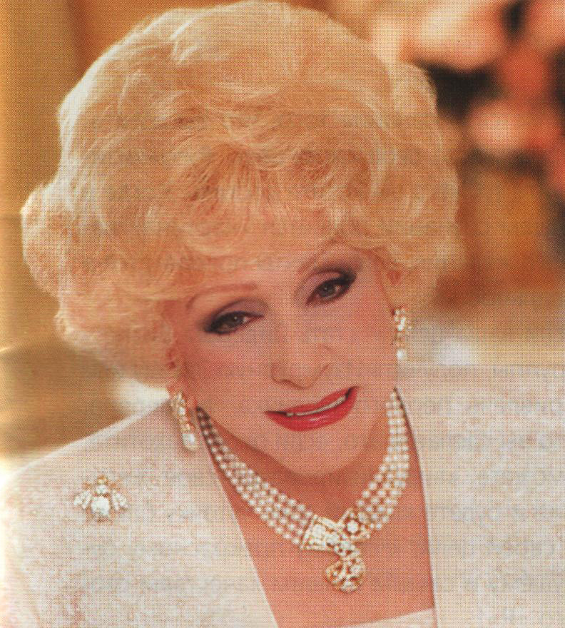 mary kay ash In 1963, with $5,000, mary kay ash created a dream company that provides women with open-ended potential to achieve personal and financial success.